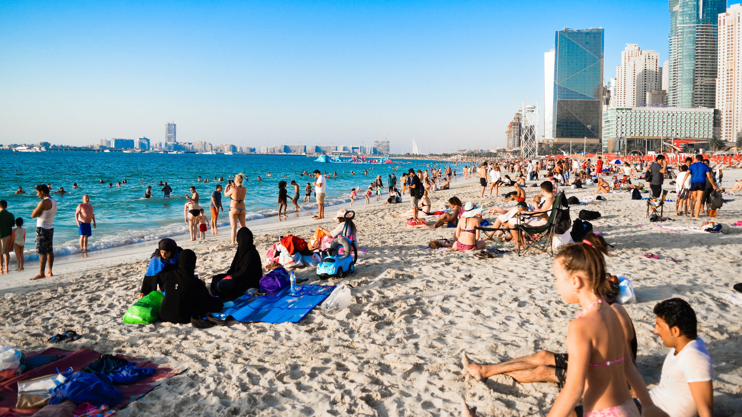 The Palm Jumeirah Review: A Serene Life in A Vivid City