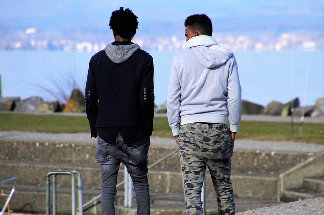 5 Things Every Best Man Needs to Know in One Easy Checklist best friends