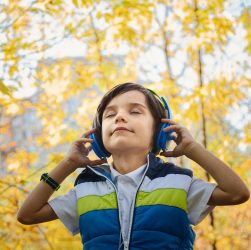 Why You Should Encourage Your Toddler to Listen to Music