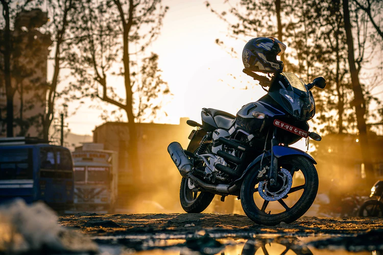 6 Things You Should Know While Traveling on Your Motorcycle pulled over