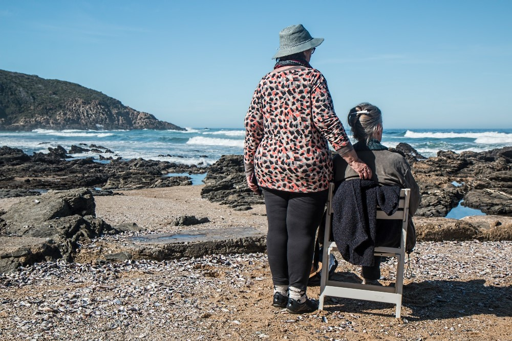 7 Telltale Signs Your Loved One Is In Need Of Assisted Care