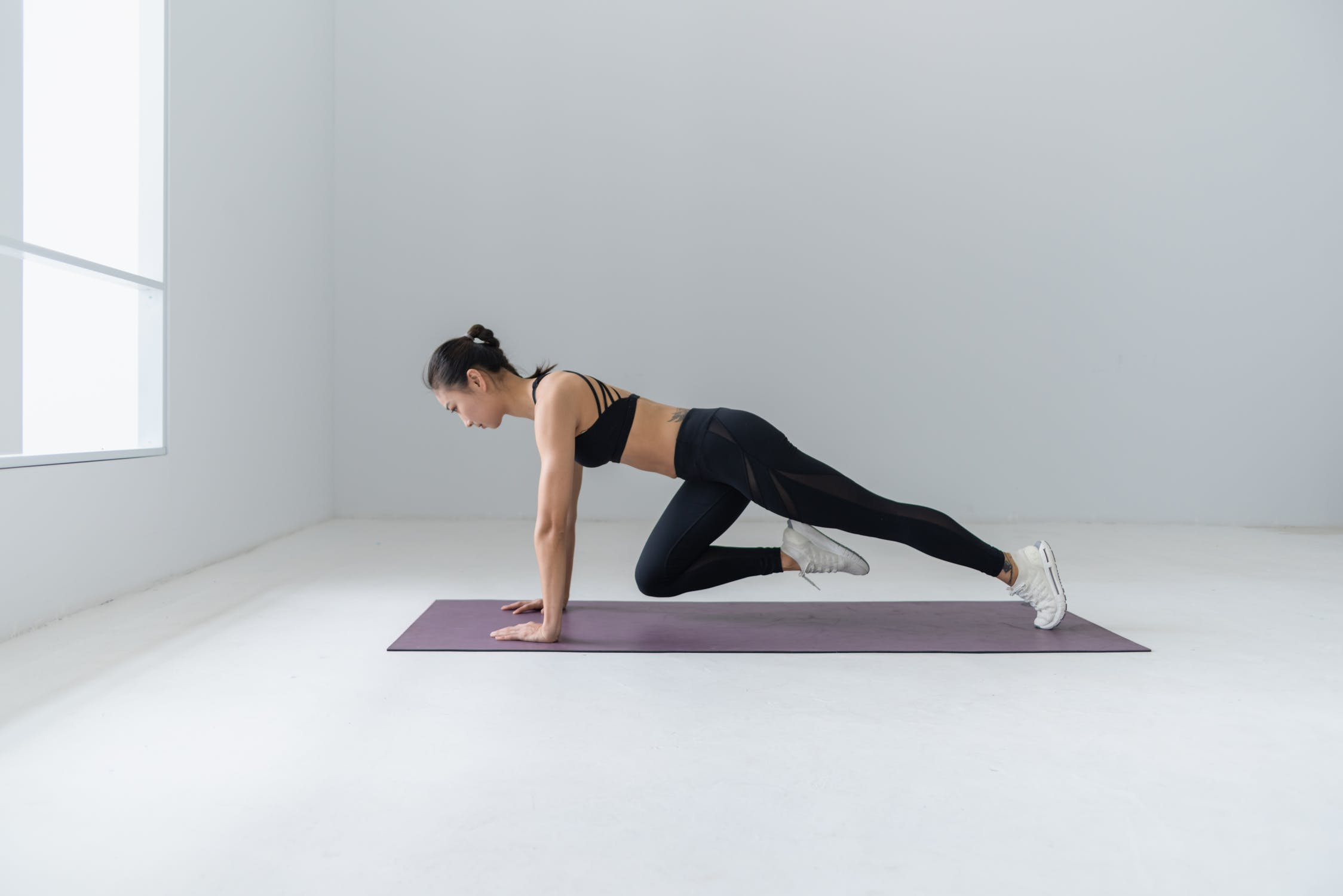 Best Isometric Exercises List – Tone Up Your Body!