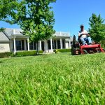 5 Ways Landscaping and Lawn Care Services Will Help You Sell Your Home