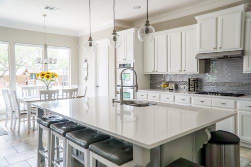 the best ways to update a kitchen